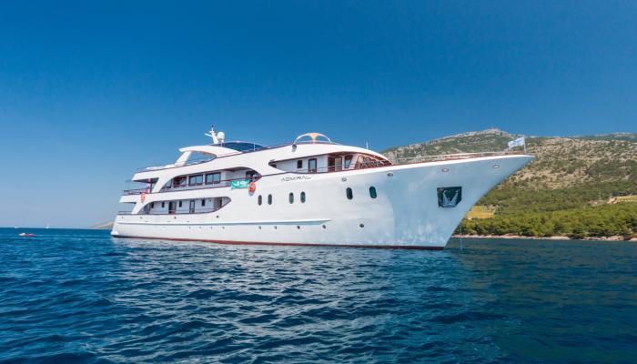 Deluxe navire de croisière MV Admiral