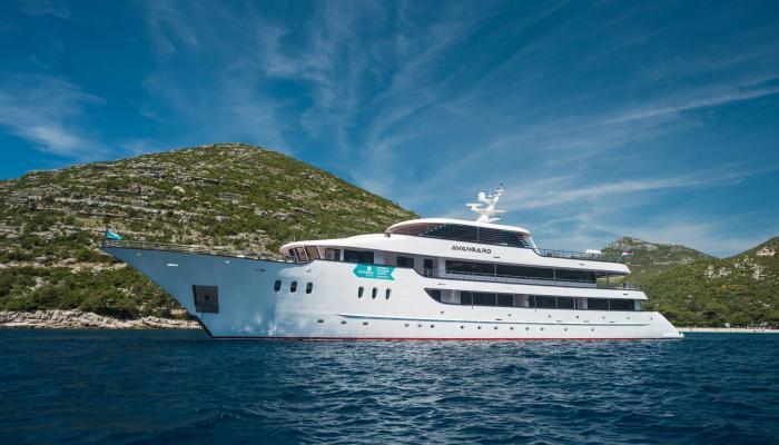 Deluxe navire de croisière MV Avangard