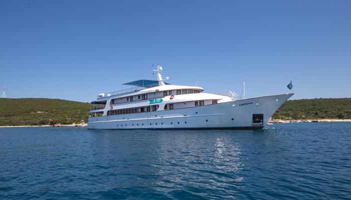 Deluxe navire de croisière MV Fantazija