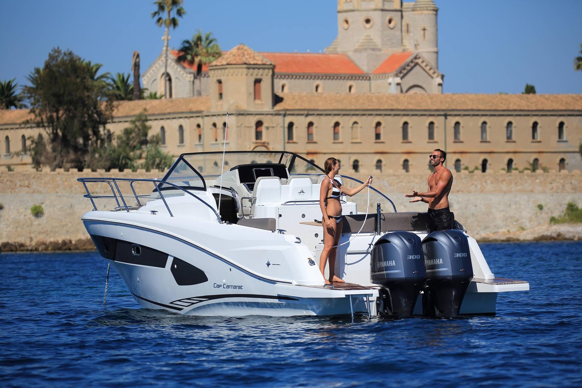 moteur bateau Cap Camarat 10.5 WA
