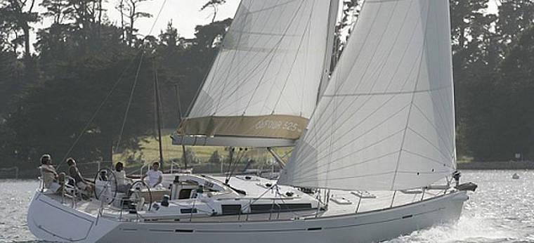 2007. Dufour 525