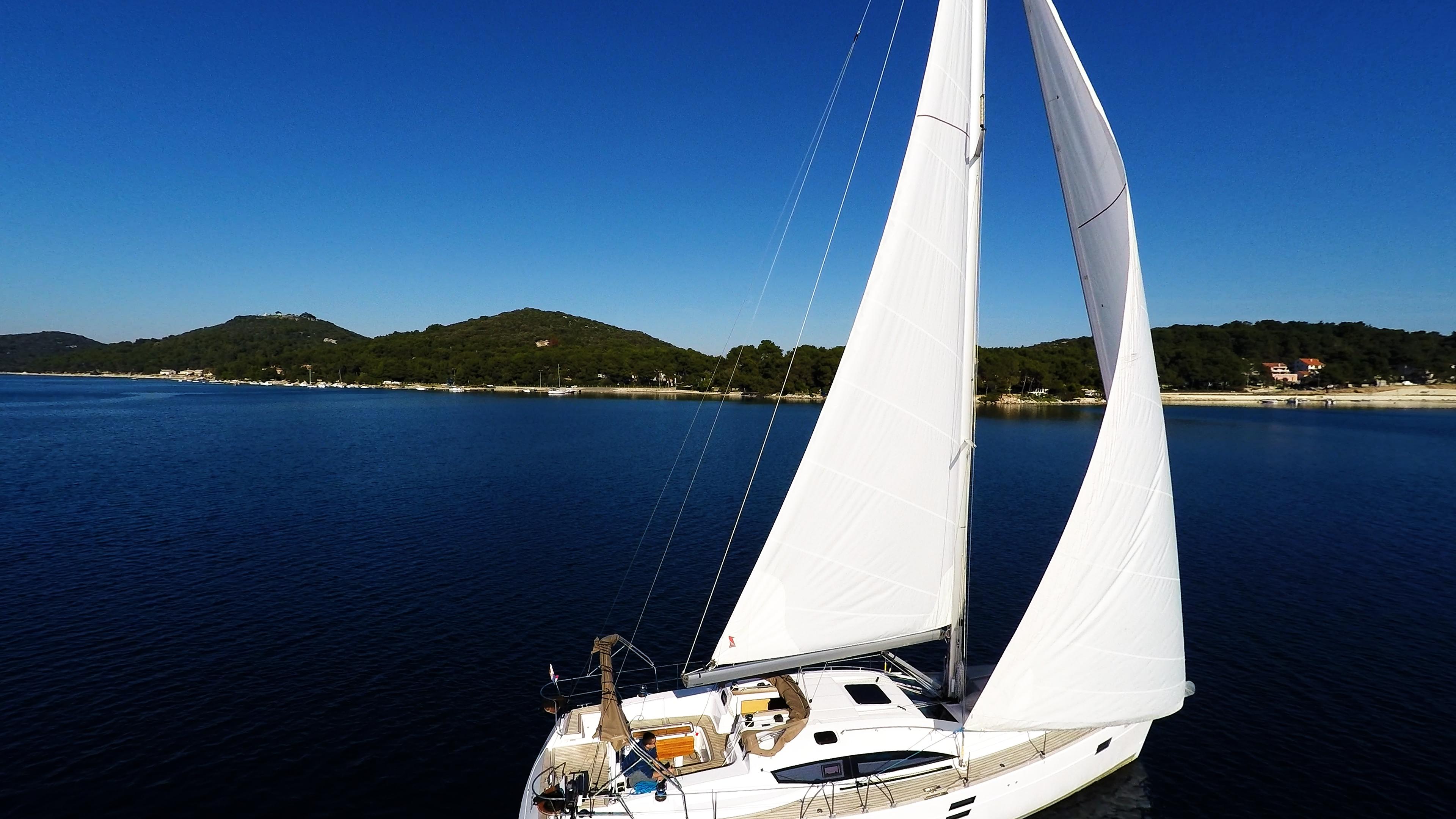bateau à voile mer bleue bateau à voile ciel voilier
