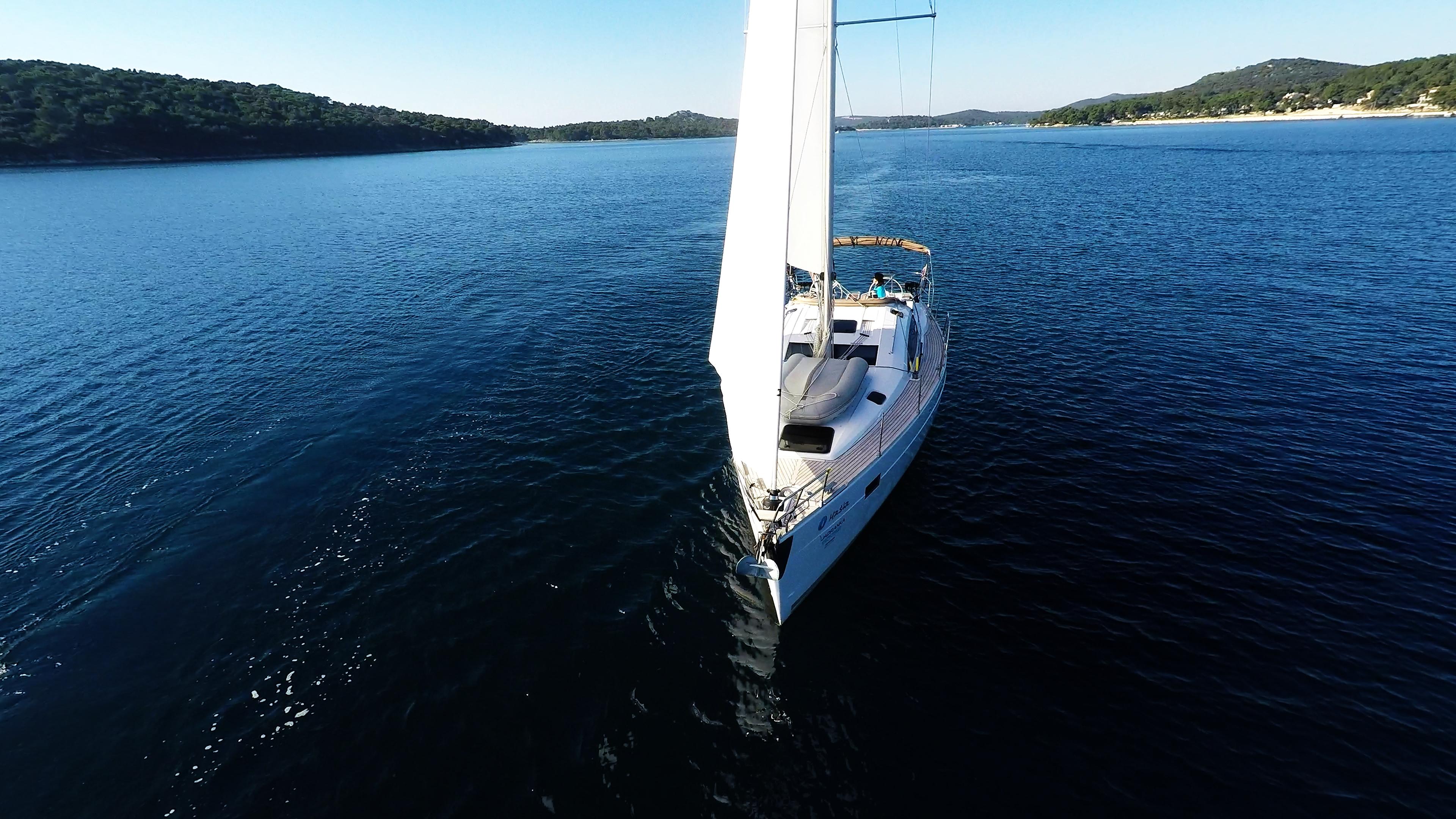 bateau à voile proue bateau à voile elan 45 impression voiliers voiles