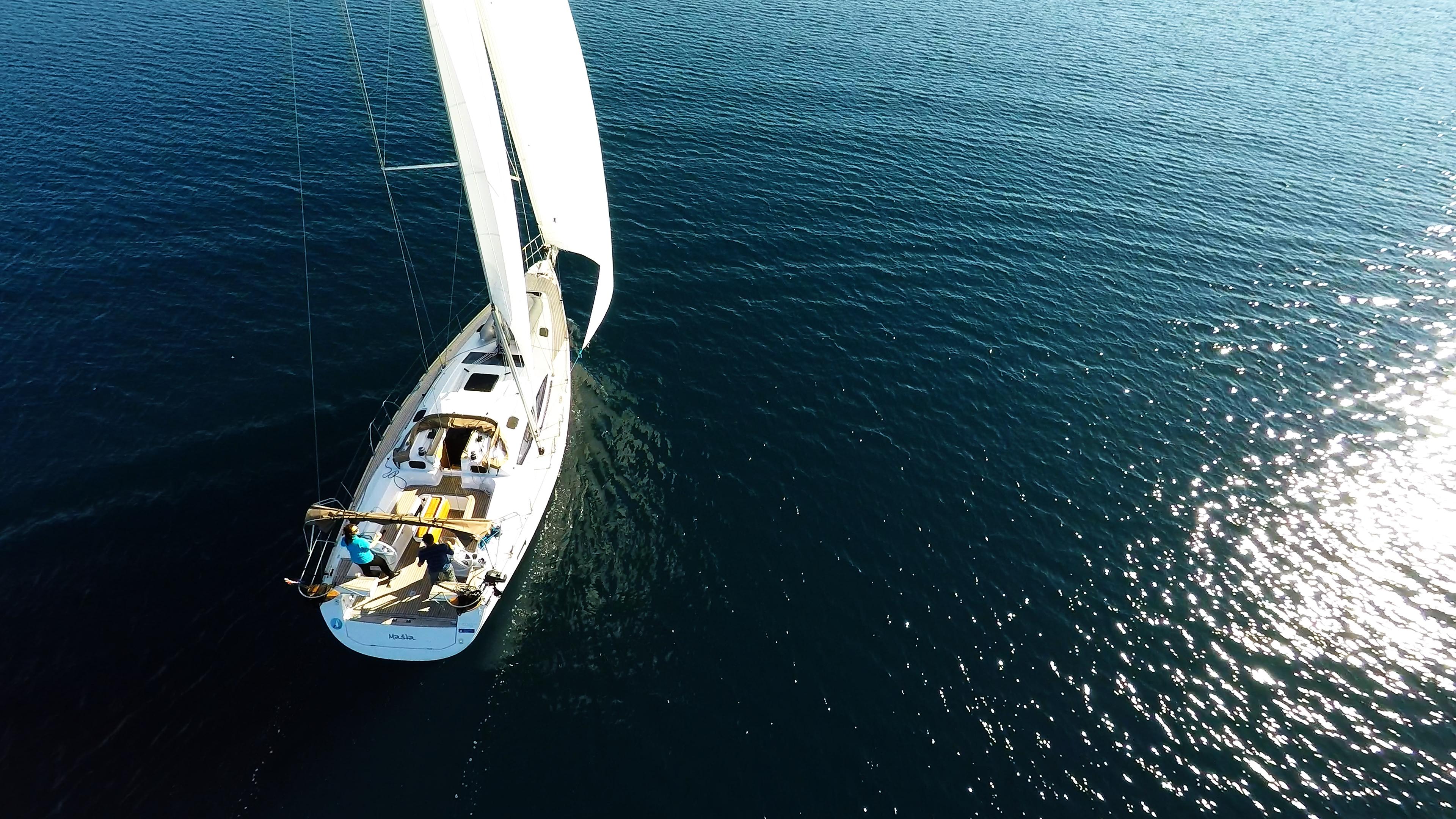 bateau à voile elan 45 impression d'en haut voiliers voiles