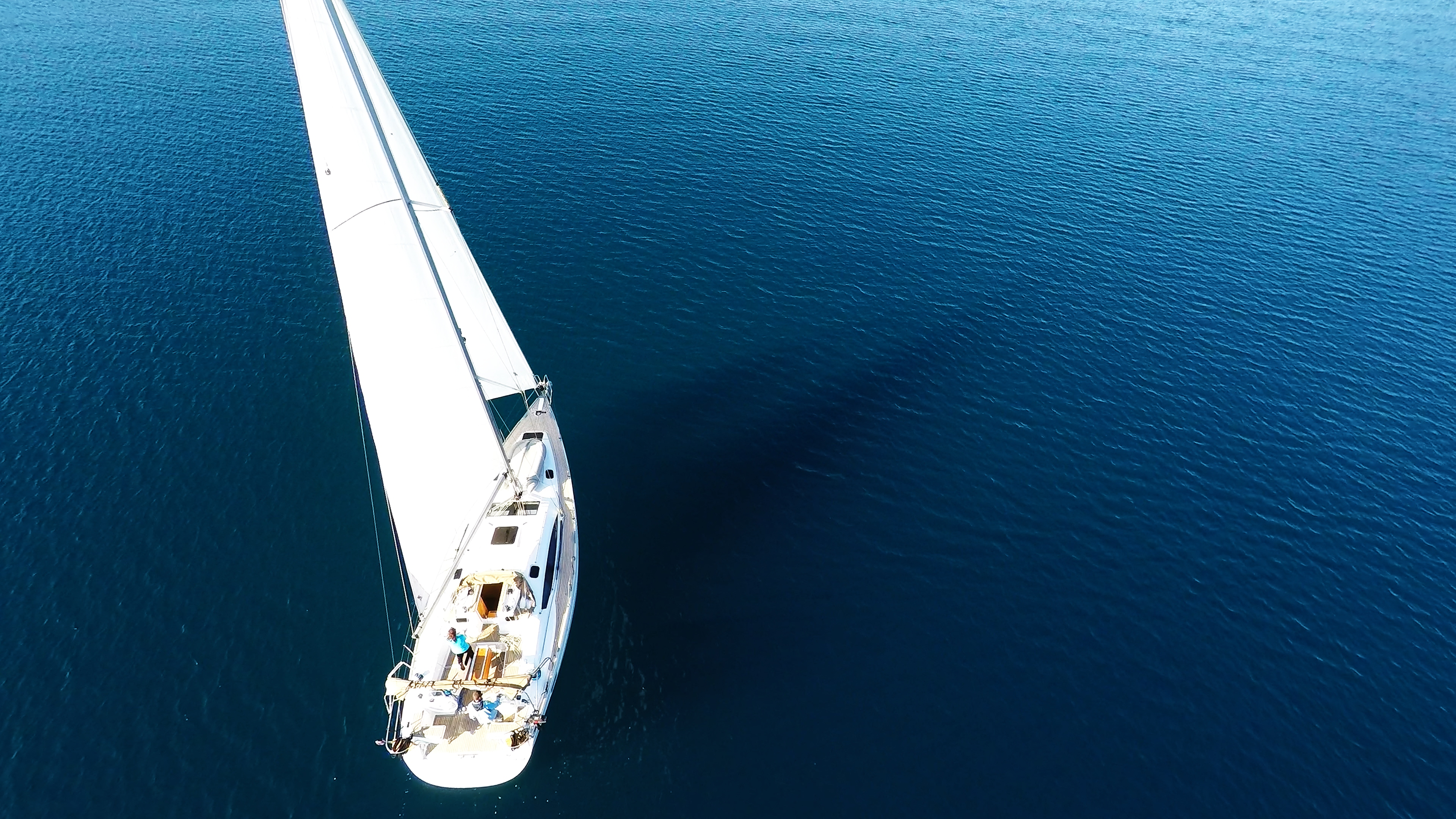 bateau à voile elan 45 voilier mer bleue voile
