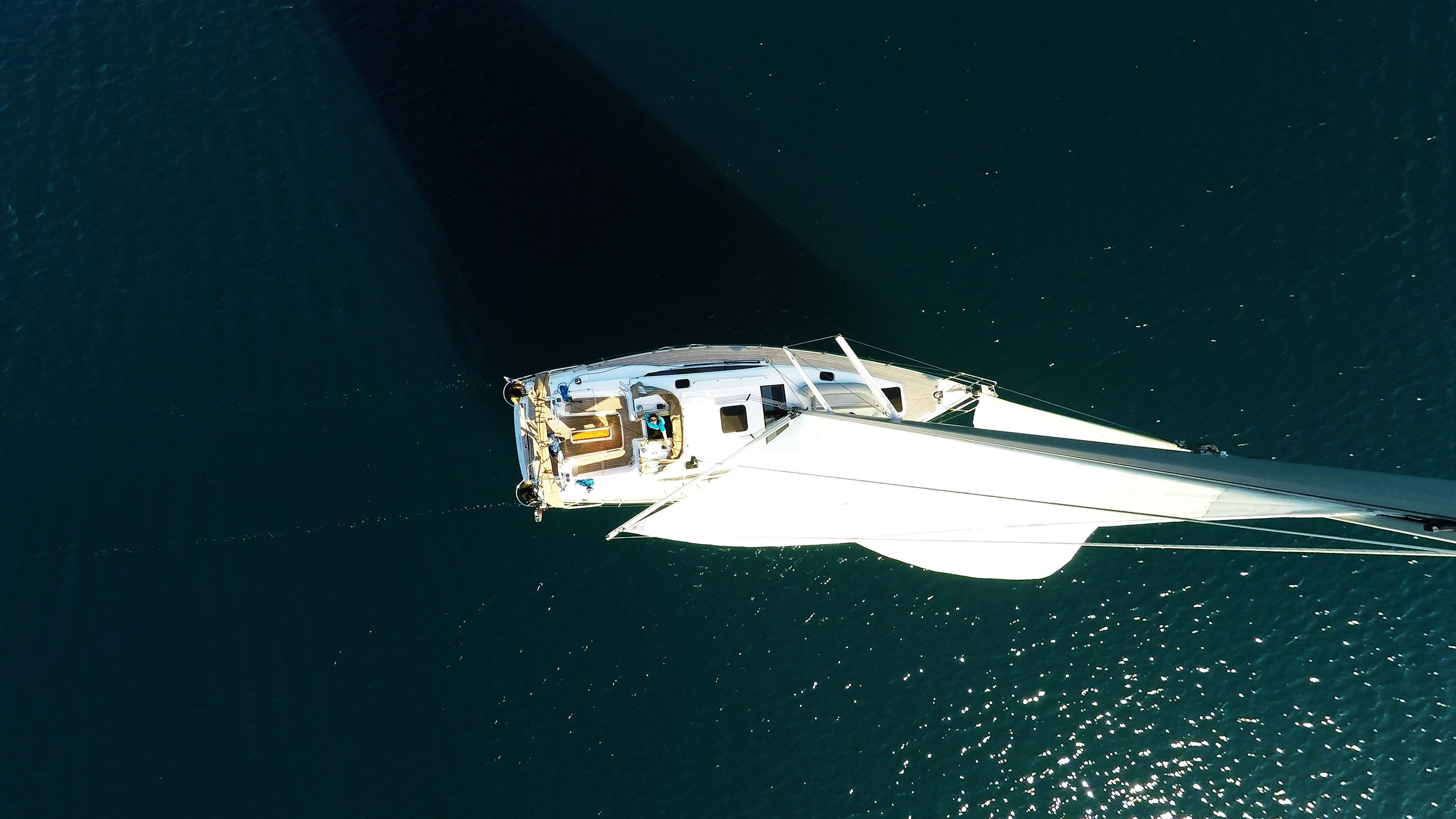 bateau à voile du haut du mât bateau à voile voiliers voiles