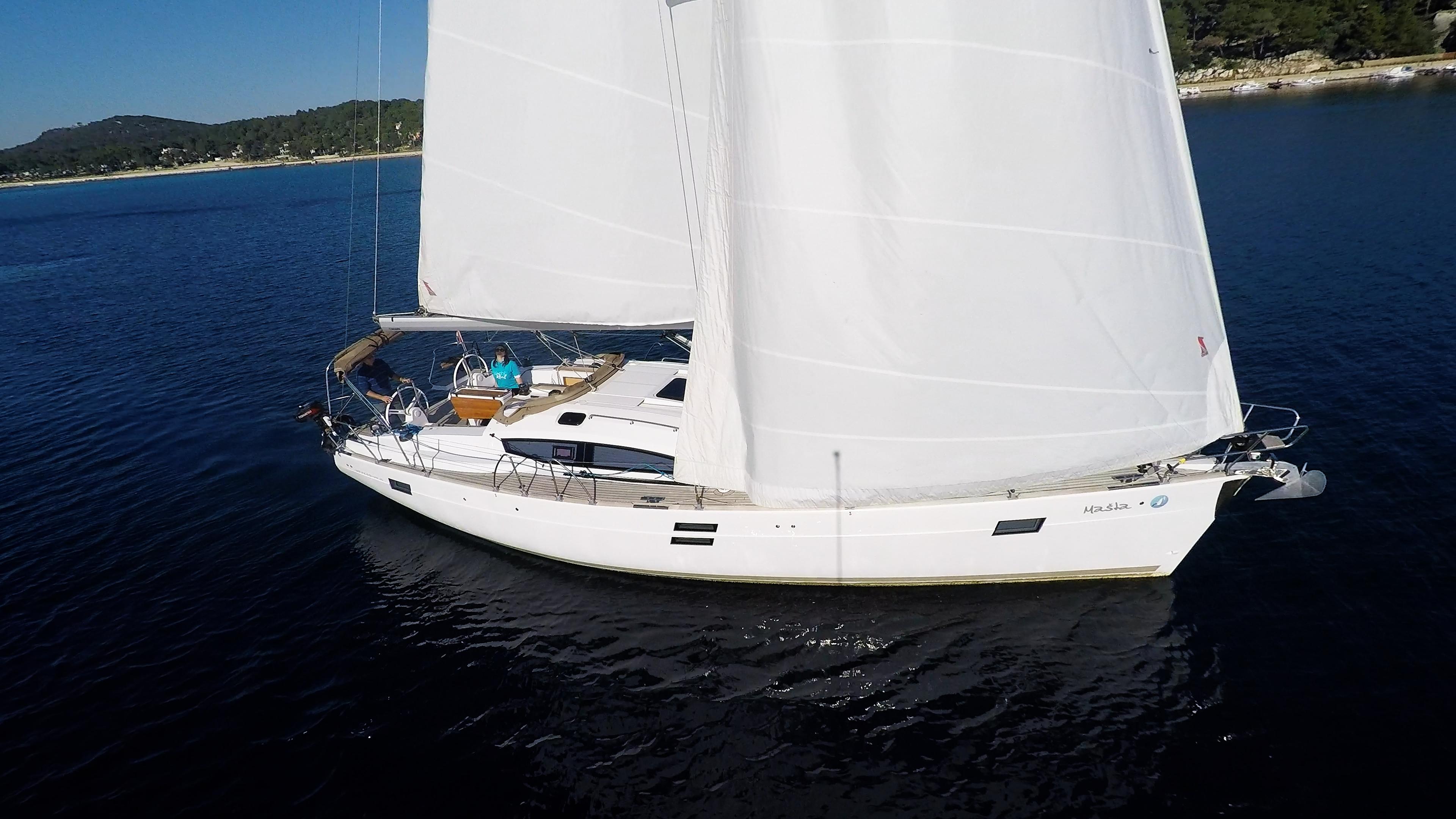 bateau à voile coque côté bateau à voile elan 45 impression voiliers voiles