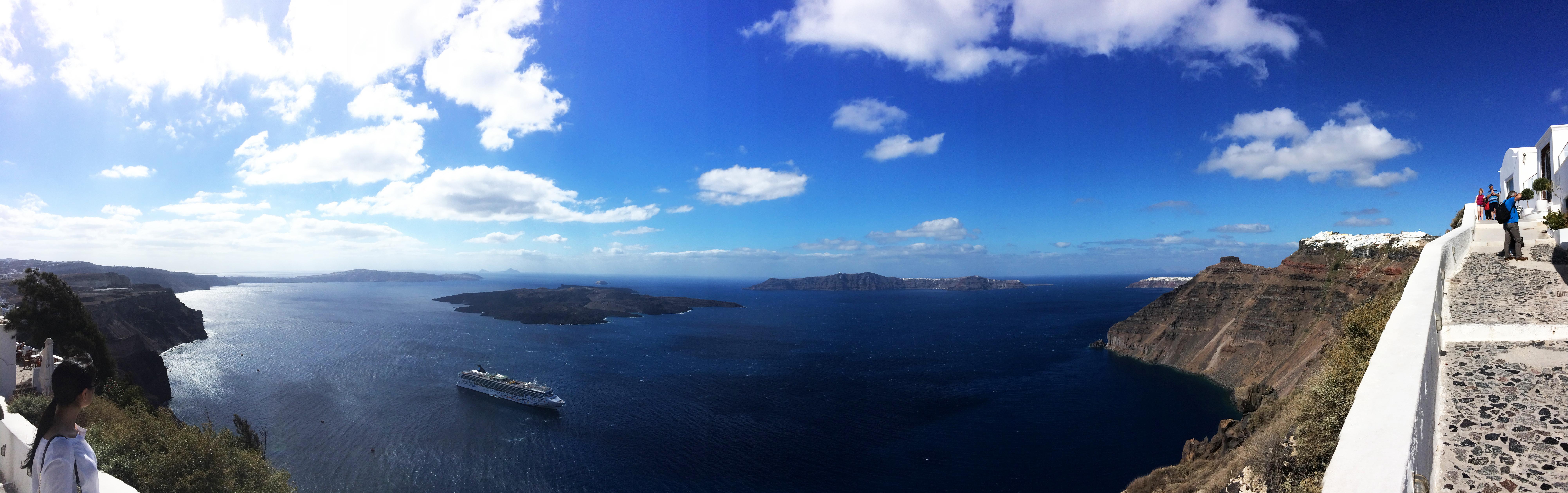 navire croiseur Santorin Grèce îles de la mer panorama paysage